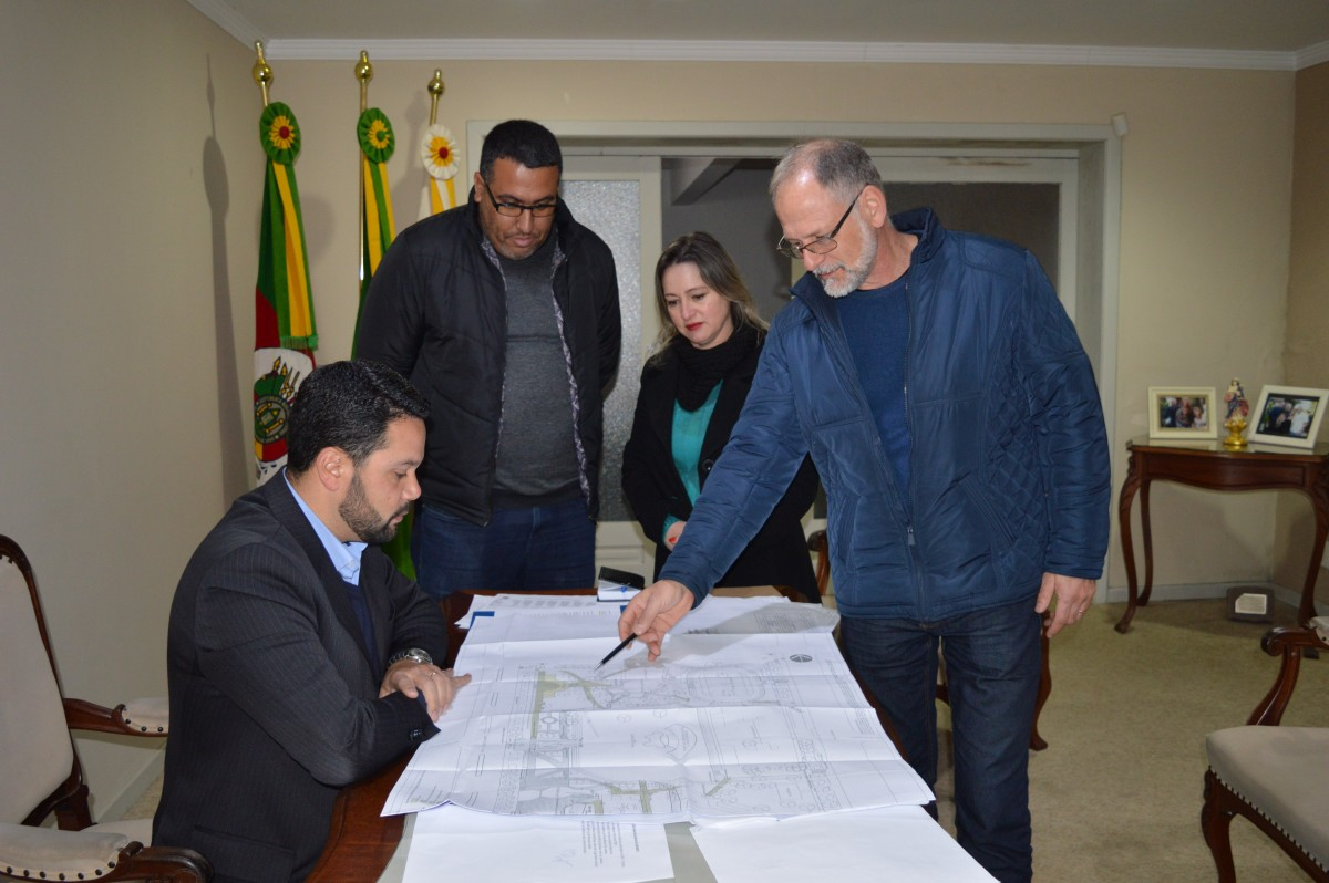 Secretaria de Obras assume a reforma do pergolado